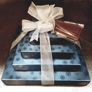 SnowflakeCollection Gift Set, Candy boxes filled with chocolates and nuts
