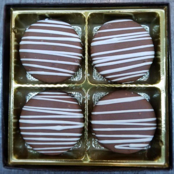 white striped oreo cookies